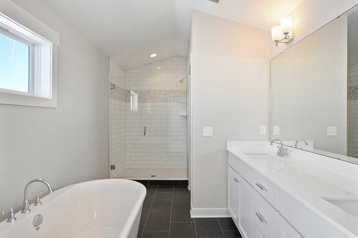 7540 Walnut Grove Lane N Photo 030 Owners Bath