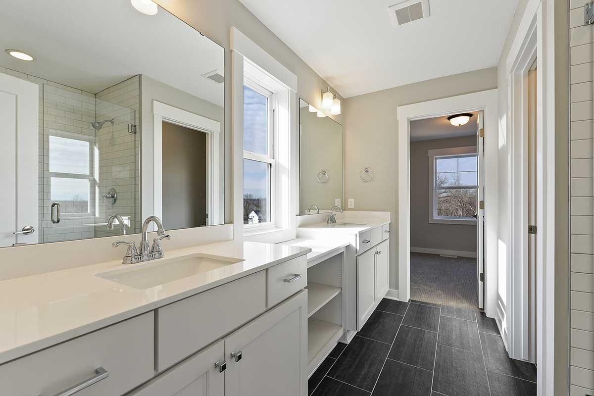 7084 61st Street S Photo 028 Owners Bath